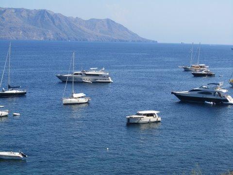 Eoliennes: Salina puis retour sur le continent a Tropéa dans 05 croisière mediterranée aout 2011 img2506copie
