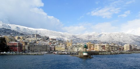 neiges sur le vieux port de Bastia dans 11 croisière mediterranée février 2012 IMG_5161-copie